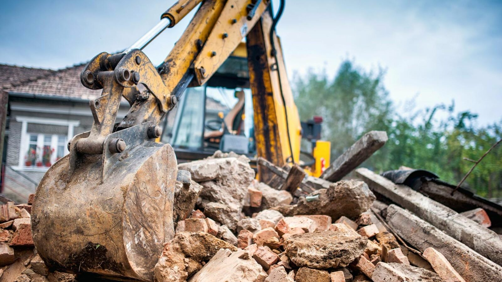 Demolition Contractors Newcastle - Safety Tips When Handling Hand and Power Tools